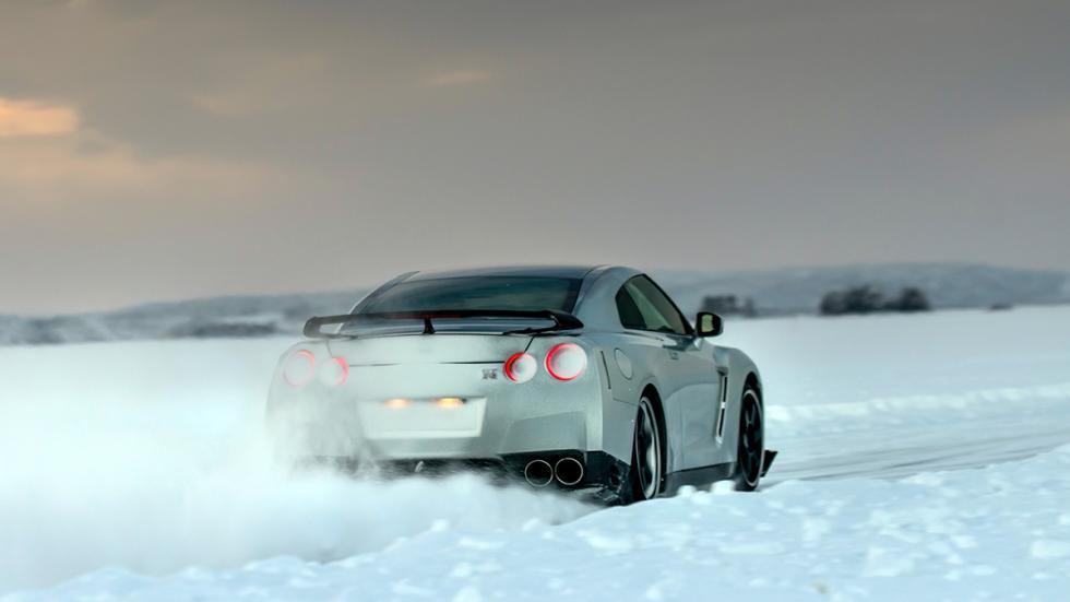 Nissan GTR Hielo trasera 2