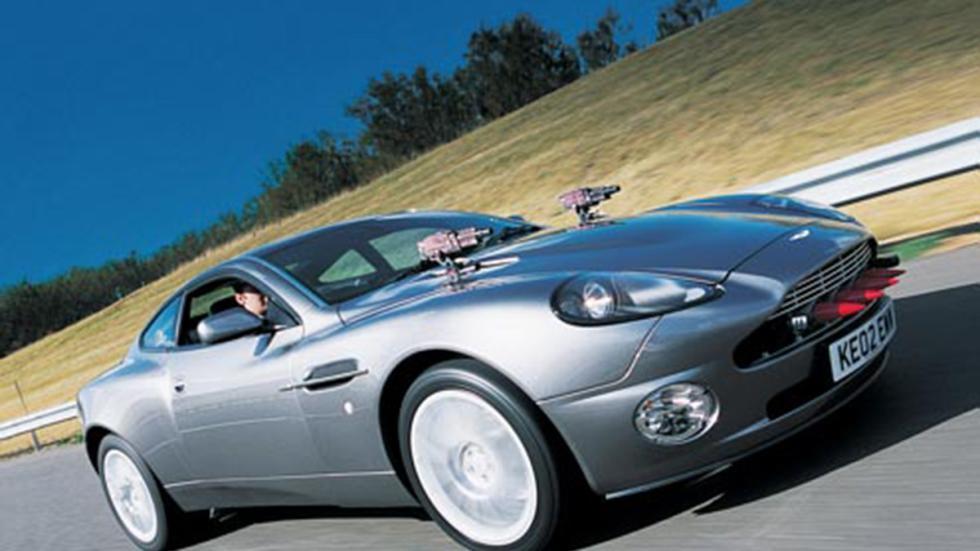 'Muere otro día', de 2002, echó mano de un Aston Martin Vanquish.