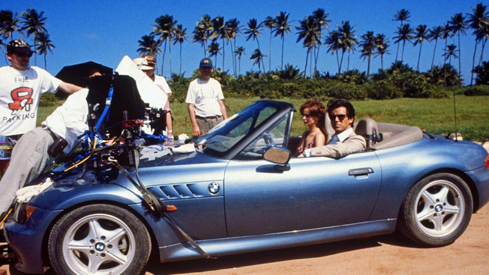 Pierce Brosnan popularizó el primer BMW Z3 en 'Goldeneye'.