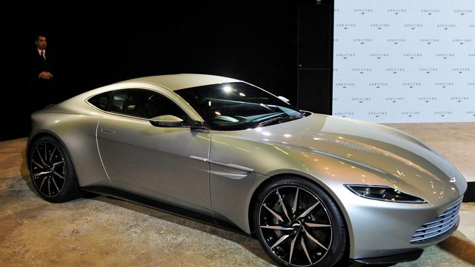 El Aston DB10 en todo su esplendor.