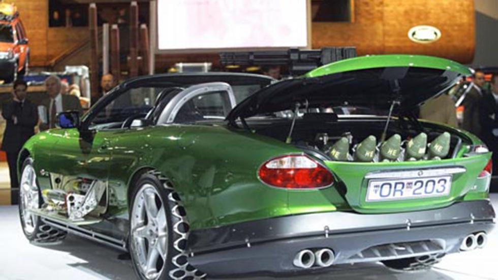 El Jaguar XKR fue el coche del enemigo en 'Muere otro día' (2002)