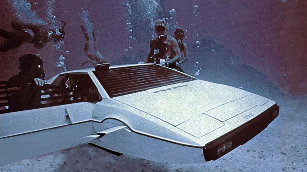 El coche más raruno: en 'La espía que me amó' (1977) condujo un Lotus... ¡Submar