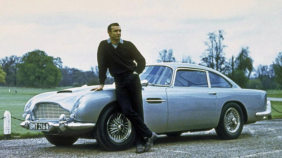 A Sean Connery el Aston Martin DB5 le quedaba como un guante.