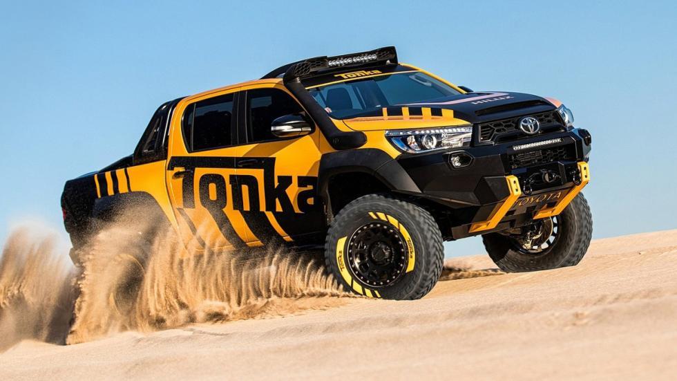 Toyota Hilux Tonka Concept frontal curva