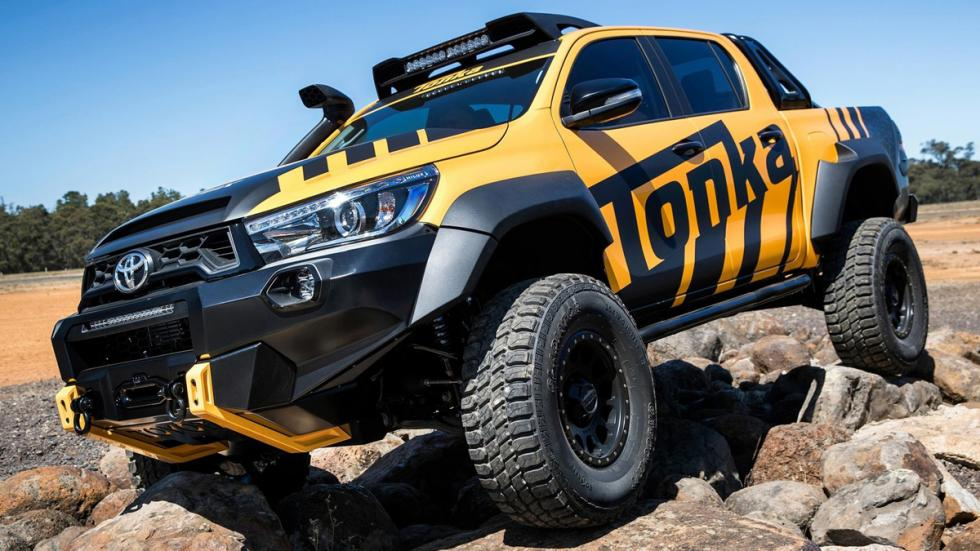 Toyota Hilux Tonka Concept frontal trialera