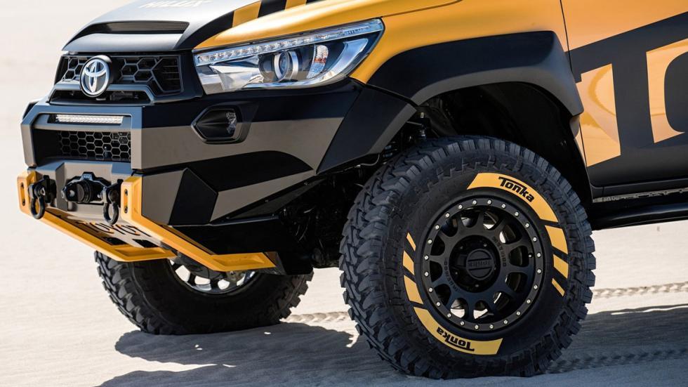 Toyota Hilux Tonka Concept detalla paragolpes