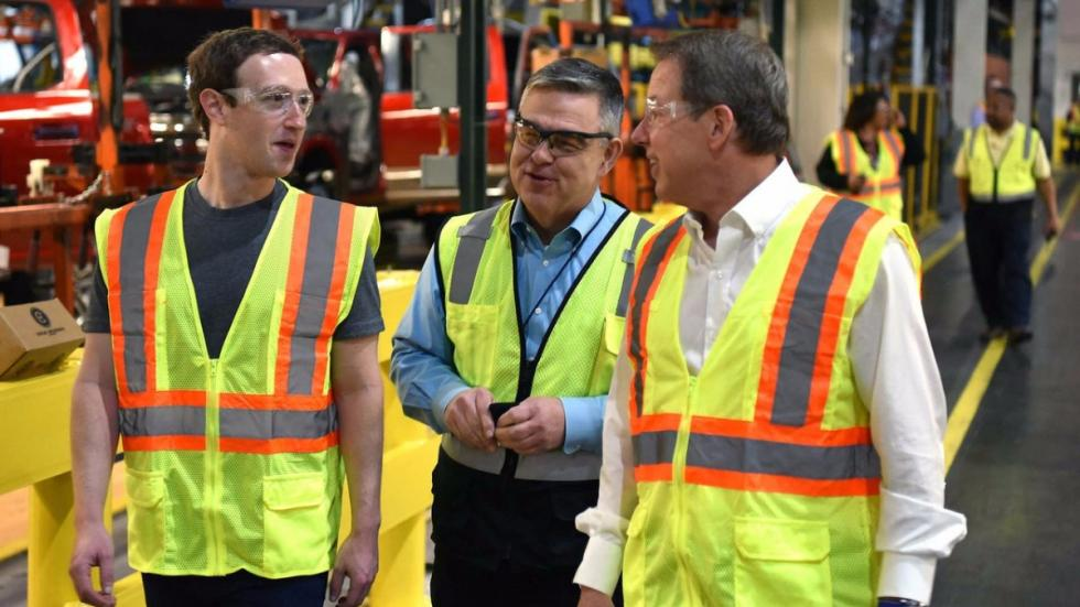 Mark Zuckerberg visita Ford