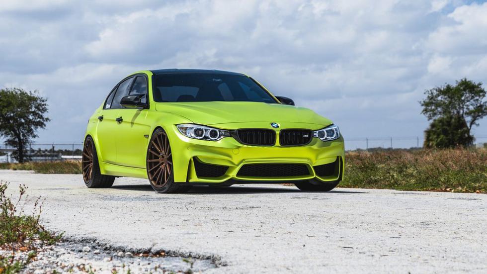 BMW M3 verde lima cromado llantas bronce delantera