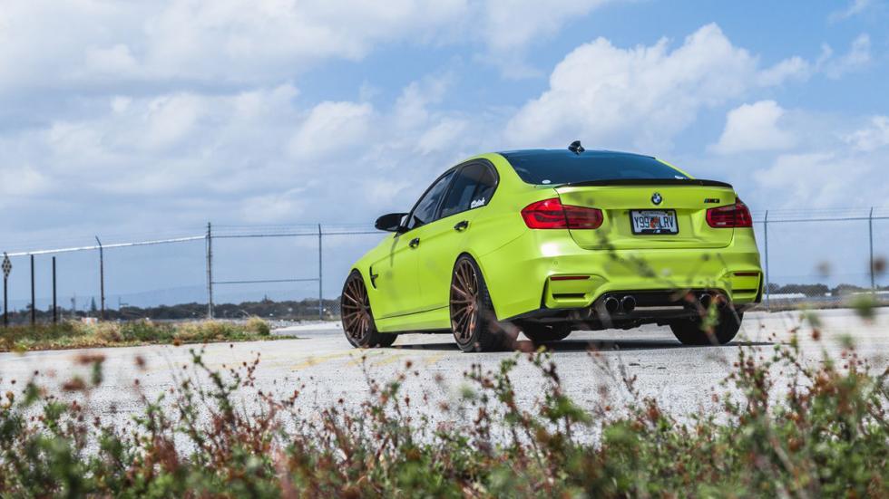 BMW M3 verde lima cromado llantas bronce zaga