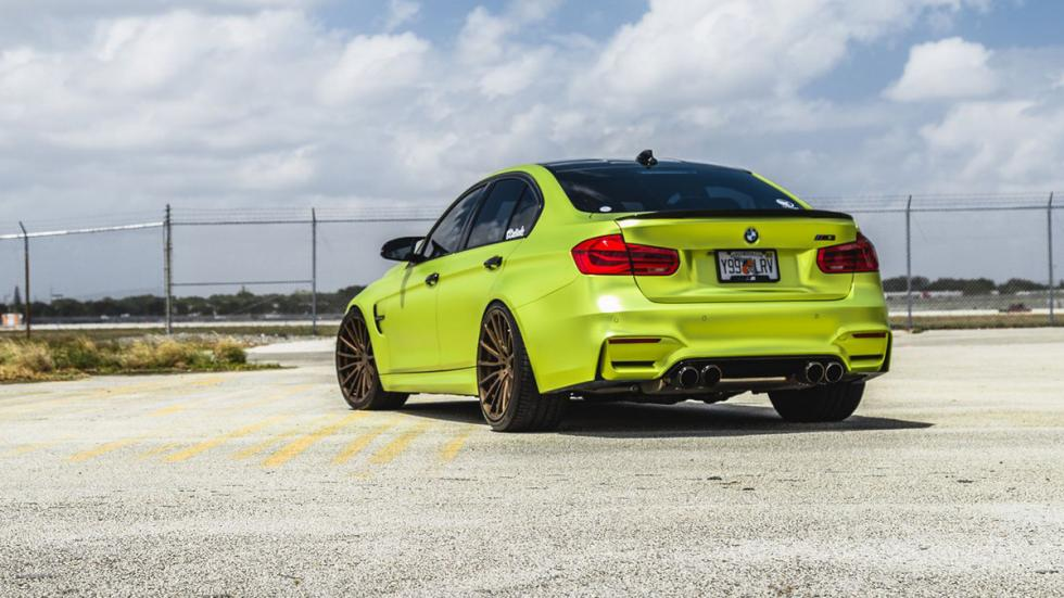 BMW M3 verde lima cromado llantas bronce trasera