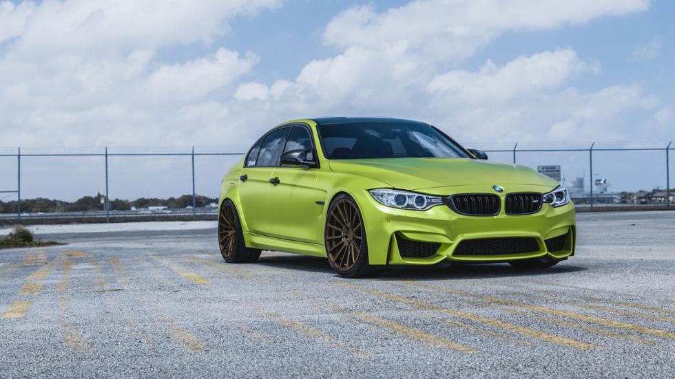 BMW M3 verde lima cromado llantas bronce tres cuartos delantera
