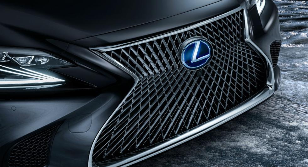 Lexus LS 500h 2017 11