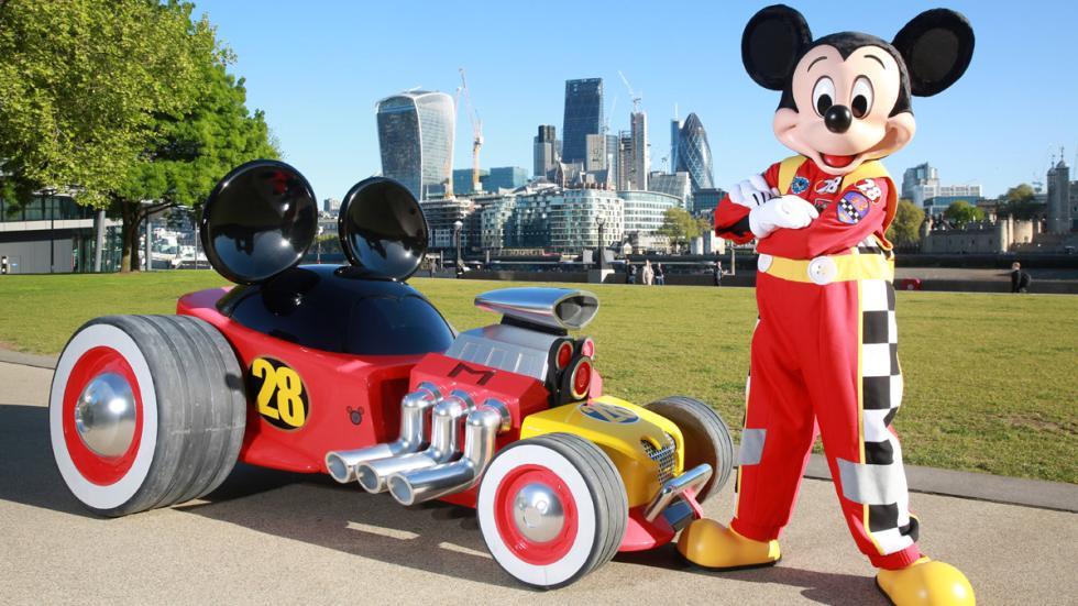 coche Mickey Mouse delantera