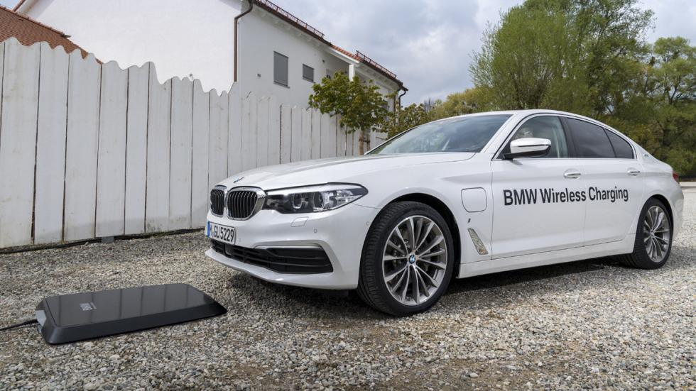 Sistema carga inalámbrica BMW 530e iPerformance lateral