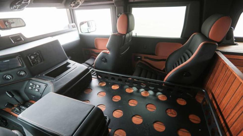 nuevo Hummer H1 habitáculo