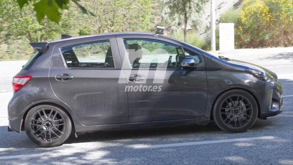fotos espía Toyota Yaris GRMN lateral
