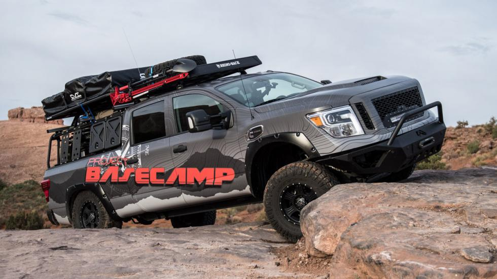 Nissan Titan XD PRO-4X Project Basecamp obstáculo 2