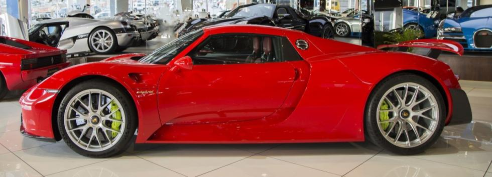 a la venta este porsche 918 spyder weissach en rojo. Black Bedroom Furniture Sets. Home Design Ideas