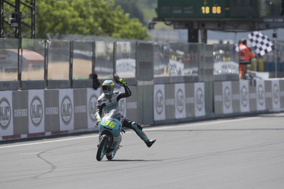 MotoGP-Le-Mans-2017-14