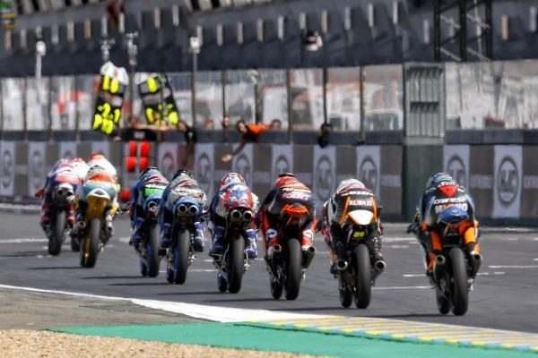 MotoGP-Le-Mans-2017-15