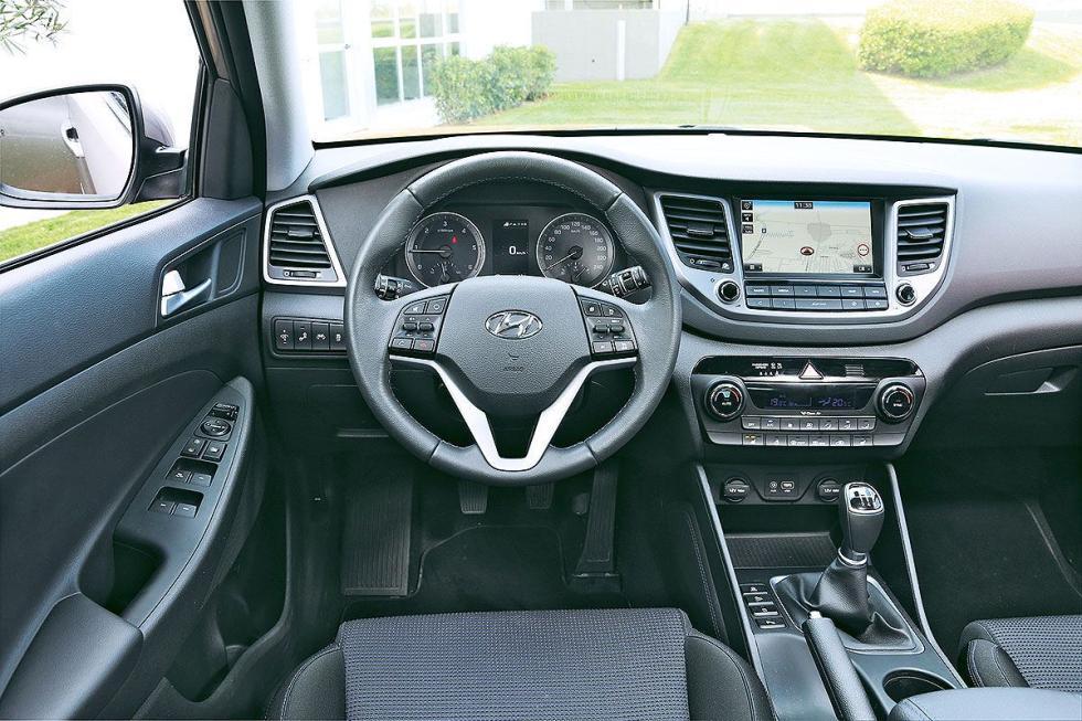 Mazda CX-5 2017 vs Hyundai Tucson