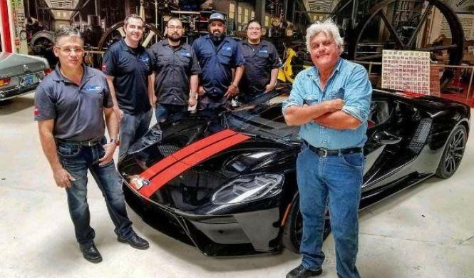 Jay Leno recibe su nuevo Ford GT 2017