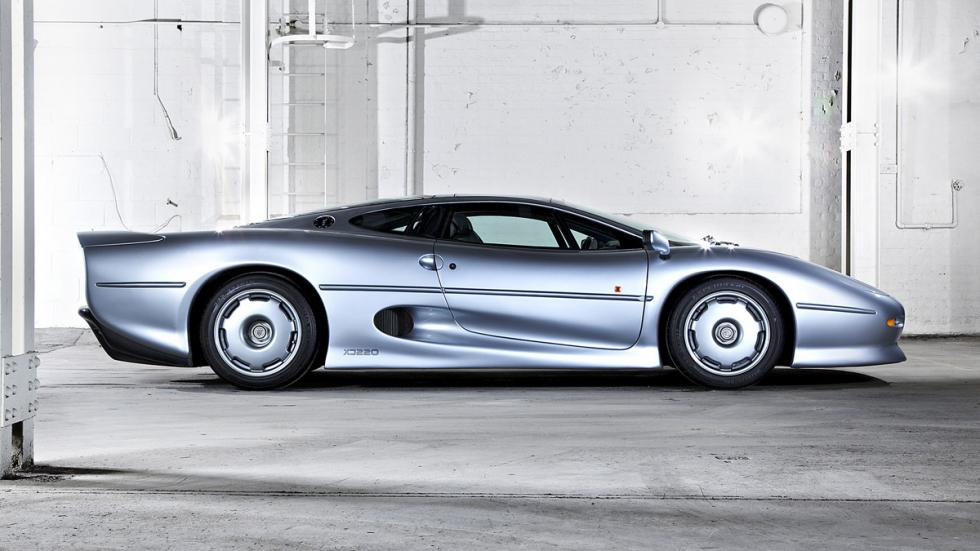 coches-serán-clásicos-2017-Jaguar-XJ220-trasera