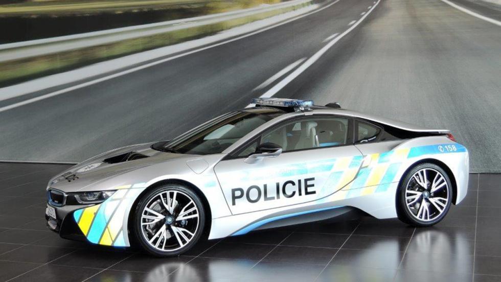 El BMW i8 de la Policía de la República Checa