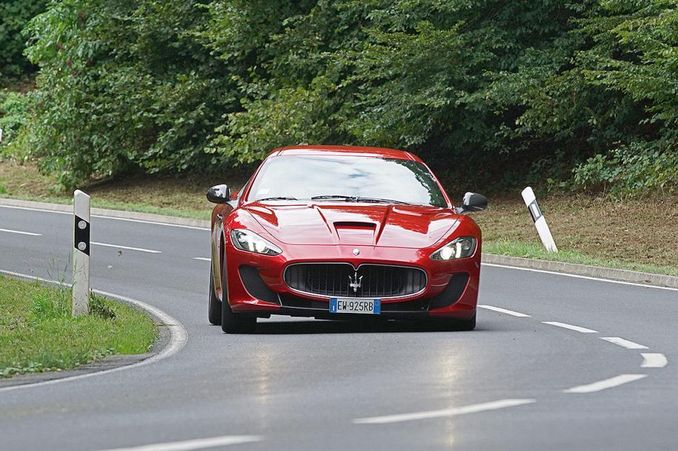 Maserati MC Stradale, con 460 CV.