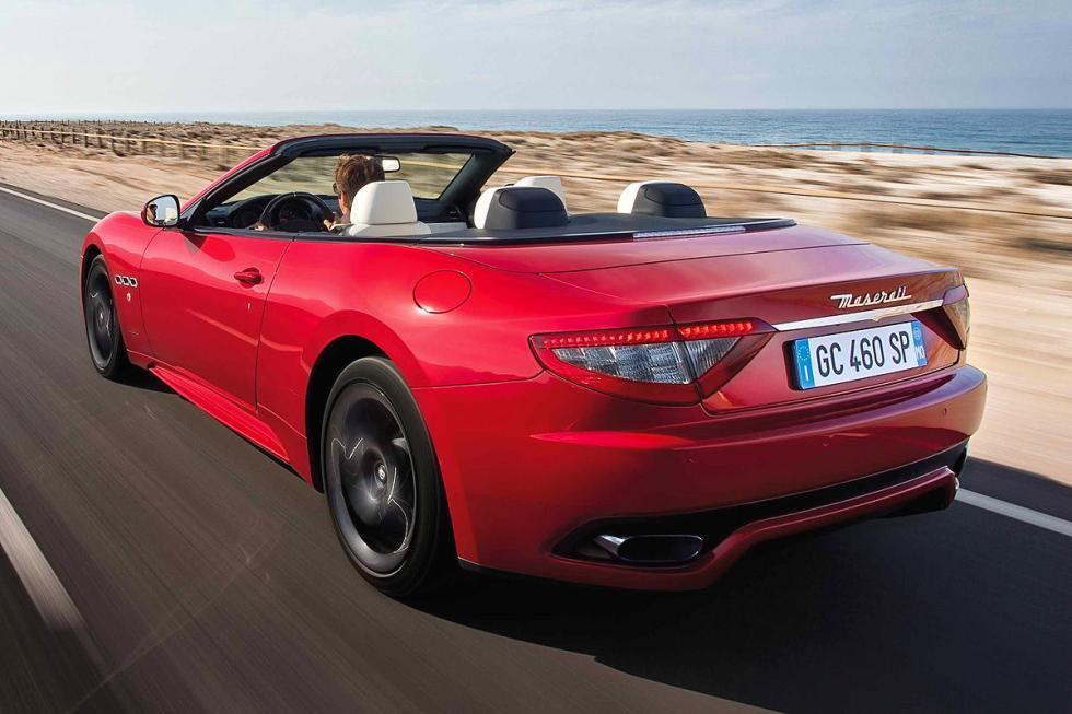 Maserati GranCabrio con un 4,7 litros de ocho cilindros y 460 CV.