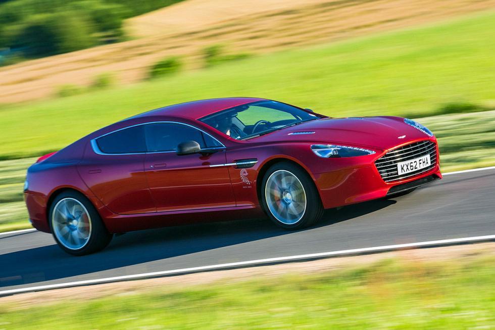 Aston Martin Rapide: cuatro plazas, V12, 560 CV.