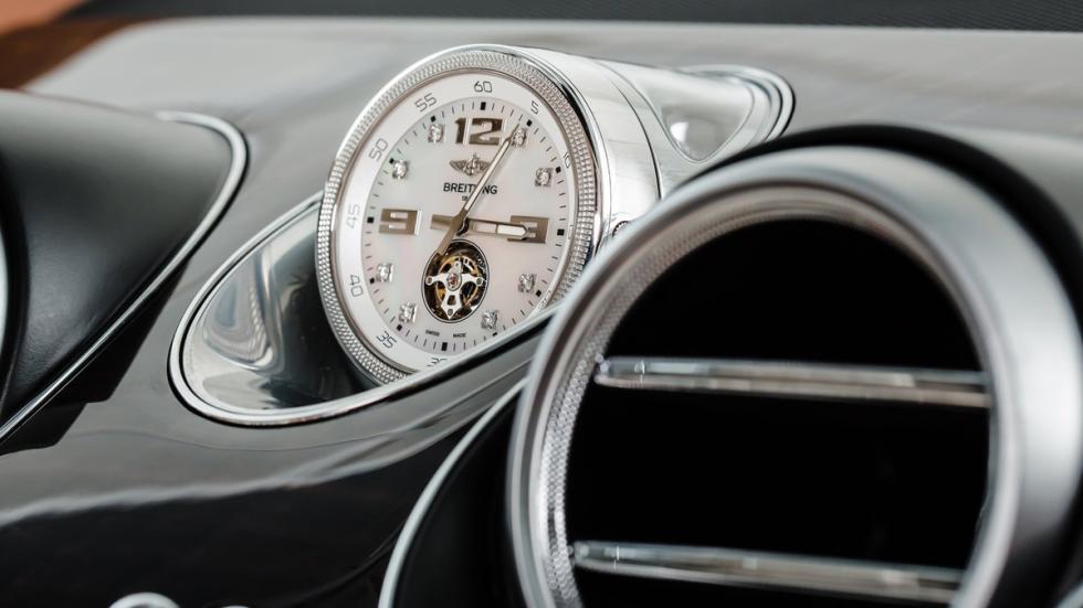 extras-absurdos-coches-reloj-bentley