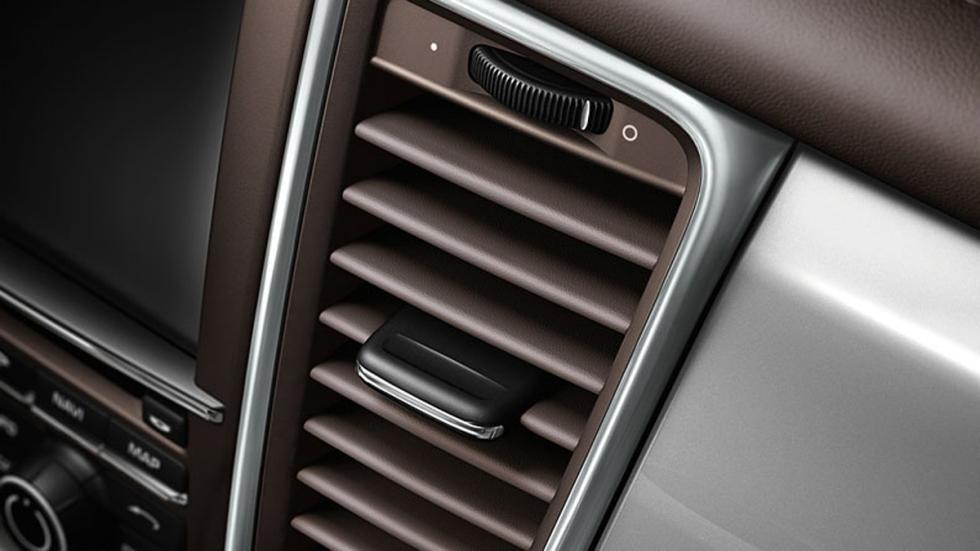extras-absurdos-coches-salidas-aire-cuero-porsche
