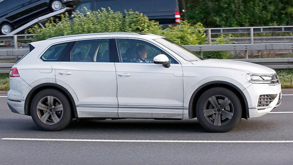 Volkswagen Touareg 2018 cazado lateral