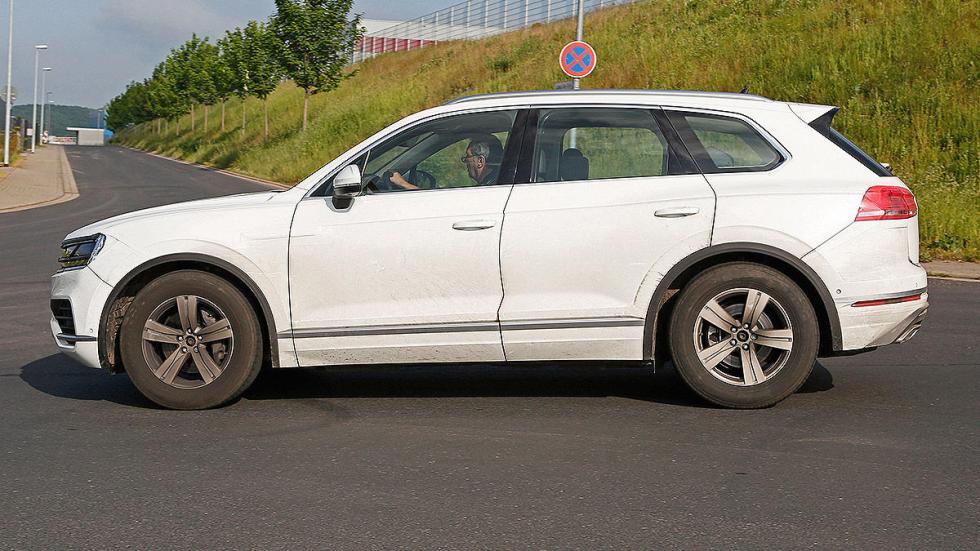 Volkswagen Touareg 2018 cazado perfil