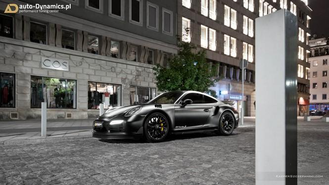 Porsche 911 Turbo S Dark Night