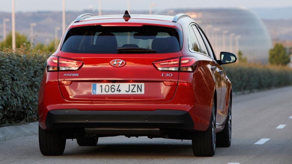 Hyundai i30 Crosswagon estatica trasera