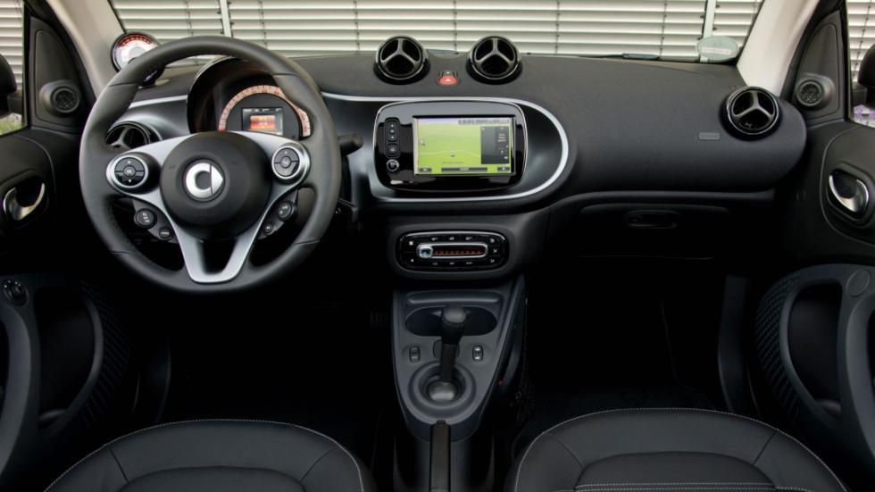 smart fortwo electric drive cabrio interior