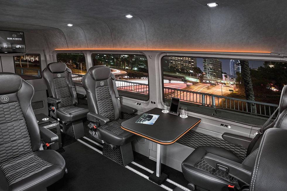 Brabus VIP Conference Lounge. Una oficina-suite rodante...