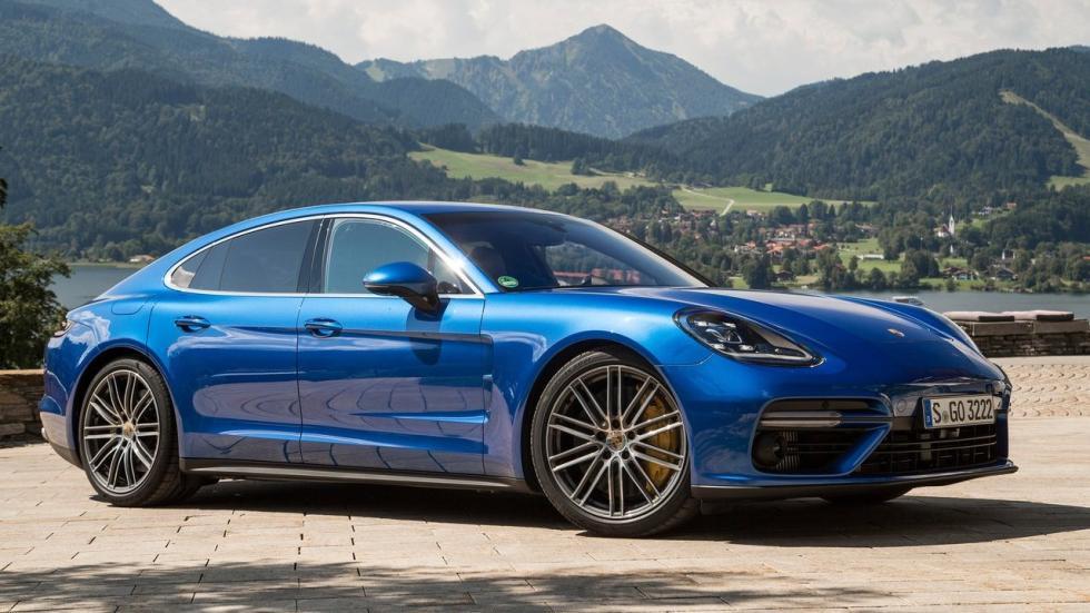 Aunque el Porsche Panamera cuenta con una variante diésel, es mejor con motor de gasolina.