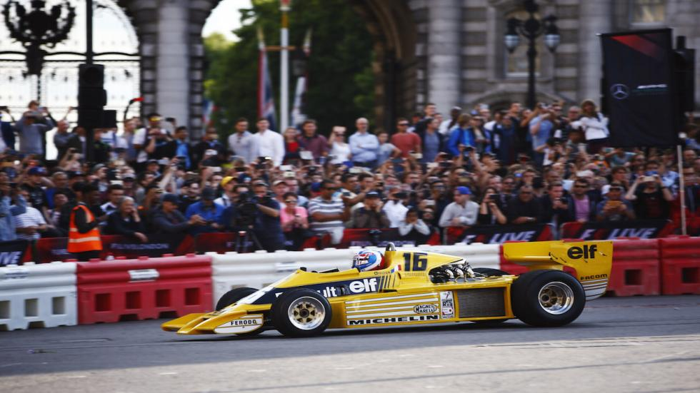 Histórico Renault RS01 sobre la pista