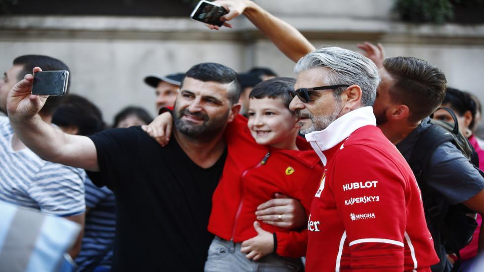 El jefe del equipo Ferrari también atrajo miradas