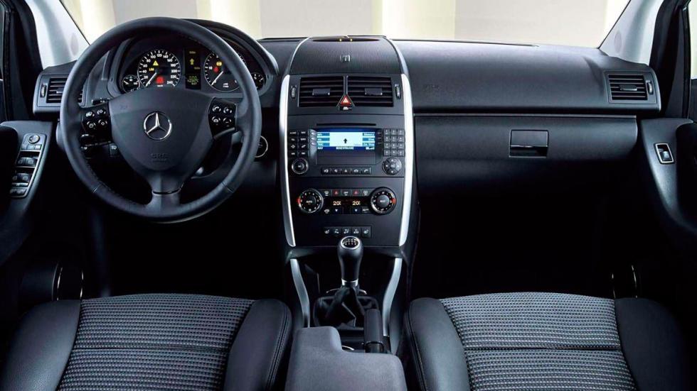 Mercedes Clase A antiguo compacto