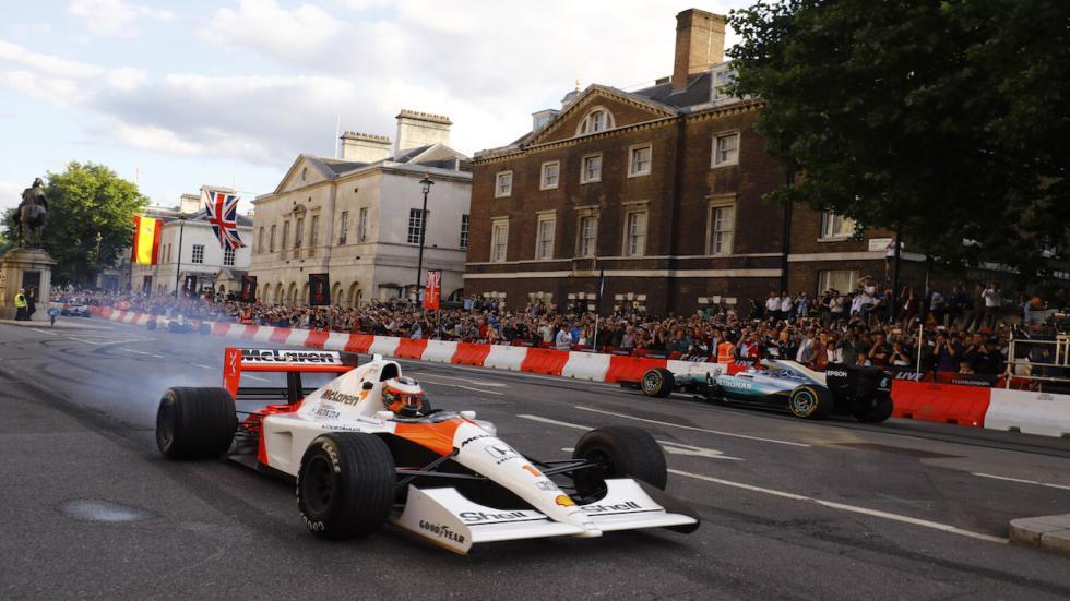 Stoffel Vandoorne ha pilotado el histórico McLaren MP4/6