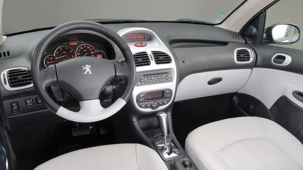 5 coches que no conoces de Peugeot - Peugeot 206 Sedan