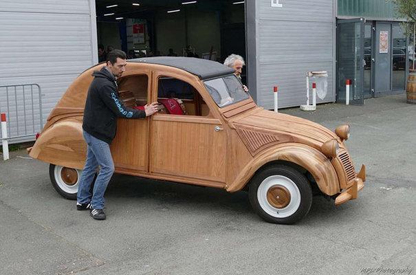 Citroën 2 CV de madera