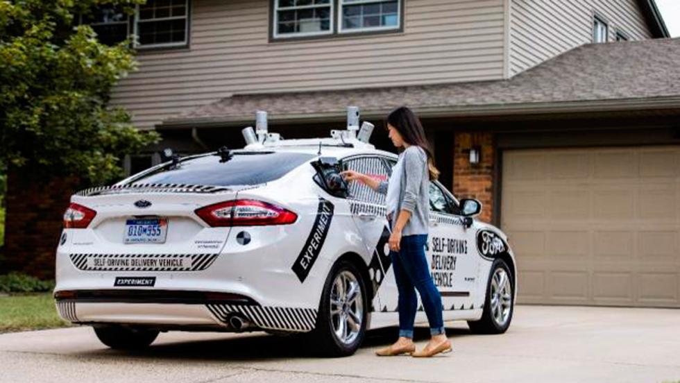 Los coches autónomos de Ford reparten Domino's Pizza (III)