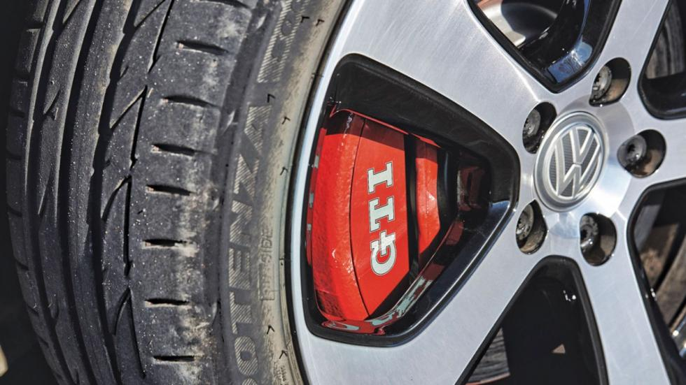 Comparativa Peugeot 308 GTI vs VW Golf GTI Performance