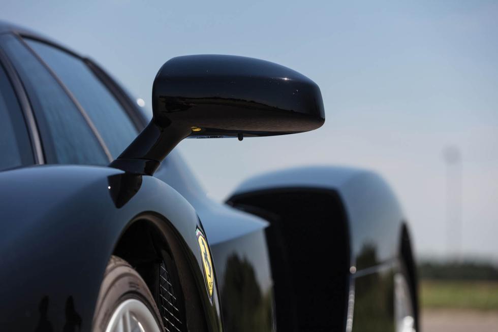 Ferrari Enzo en negro