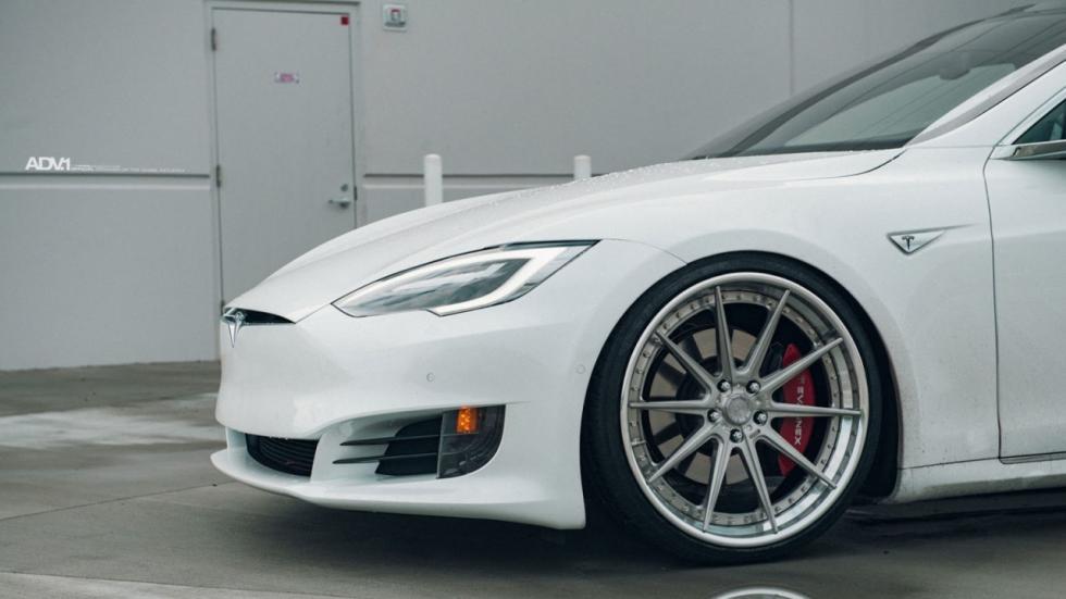 Tesla Model S ADV.1